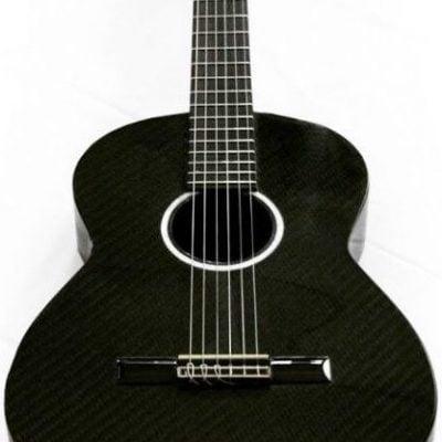 Guitarra flamenca de fibra de carbono
